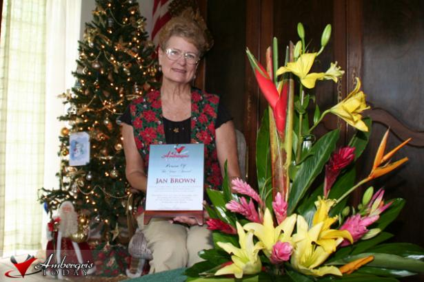 Jan Brown - Receiving Award for Volunteering in San Pedro