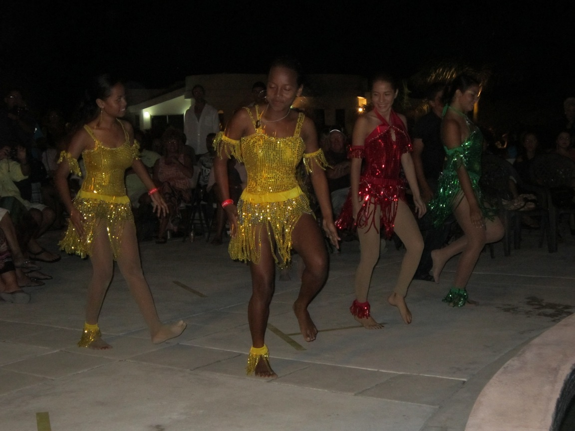 San Pedro Dancers at Fashion Event