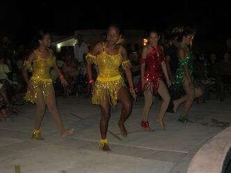 San Pedro Dancers at Fashion Event