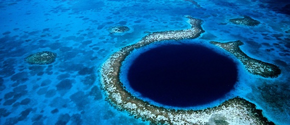 The-Great-Blue-Hole-1.jpg