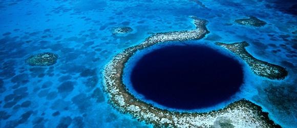 The-Great-Blue-Hole-1.jpg