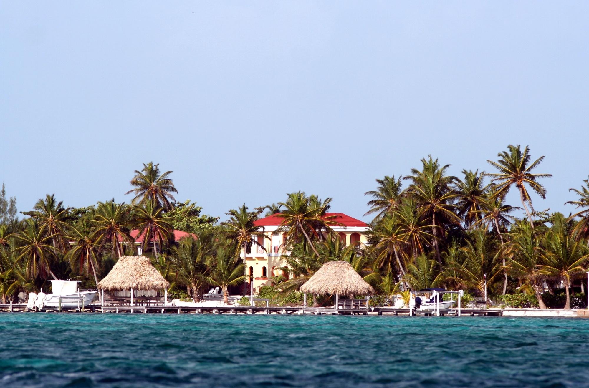 Accommodations, Ambergris Caye