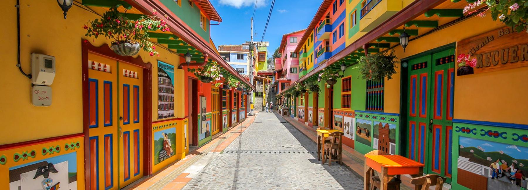jessica-devnani-guatape-colombia-colorful-town-designboom-1800.jpg