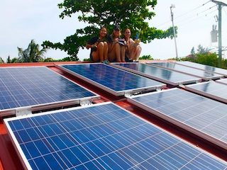 Kenyon College Students-Solar Belize copy
